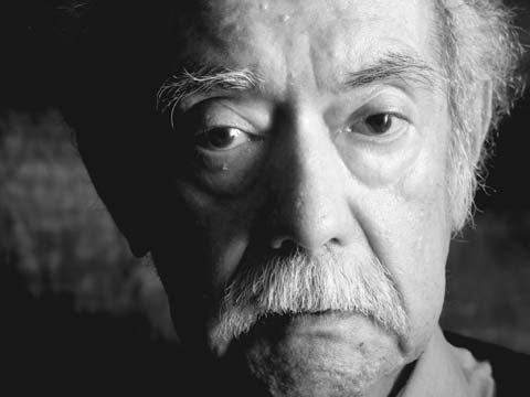 Raúl Ruiz Pino (1941-2011) fue uno de los más grandes directores del cine latinoamericano.