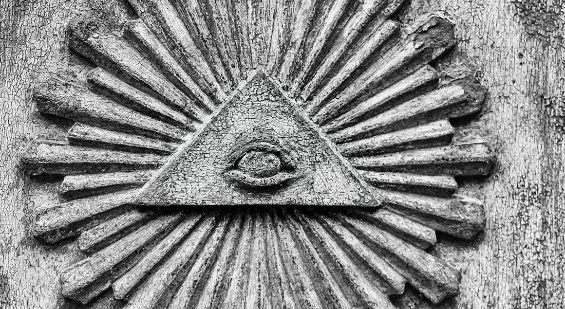 Julio Patán sobre las teorías de la conspiración